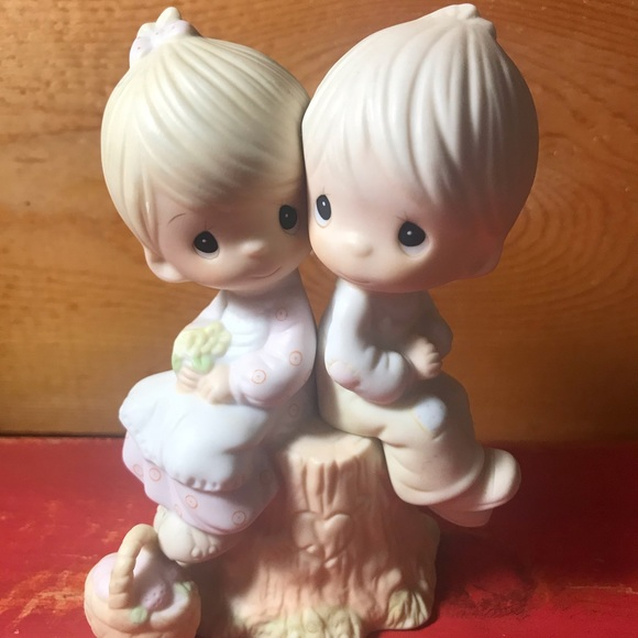 Vintage 1978 Precious Moments/Love One Another
